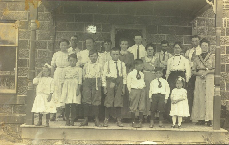 George Fry's family, along with Hub and Flora Ethel Fry Young; James Earl, Cora Fry McLelland, William D. Fry