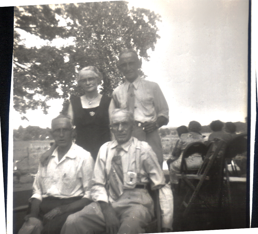 Myrtle and Charlie Haun with William and James Early Fry